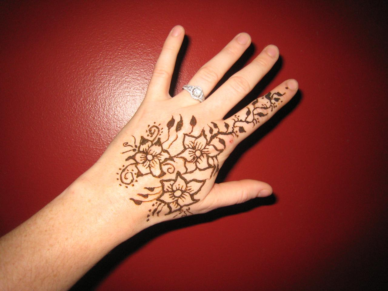 Henna Tattoo How To : Designs by jenn henna tattoos