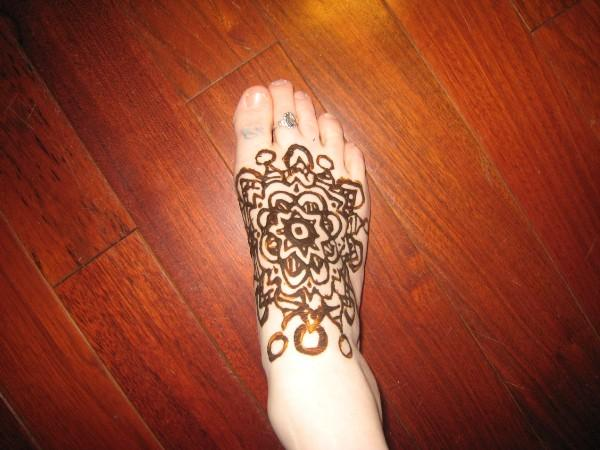 Pakistan Cricket Player: Henna Foot Designs